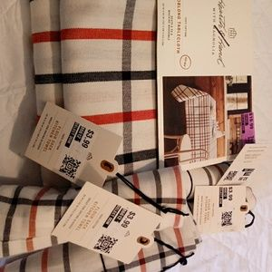 5pc Bundle Hearth Hand Magnolia Tablecloth Napkins